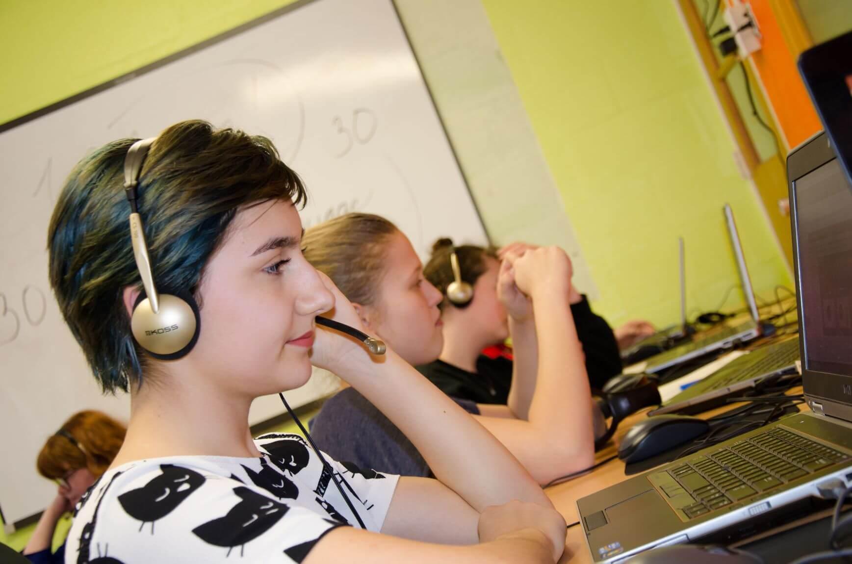NEWL Russian Main Exam  1 - Metaphor School